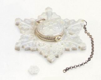 Snowflake Ornament on Chain Porcelain Hinged Box Midwest of Cannon Falls PHB