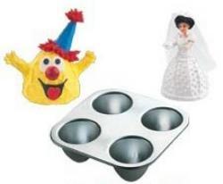 Wilton Cake Pan: Mini Wonder Mold for Easter Eggs, Dolls, Clowns, Aliens, Monsters & More! ~ Size: 4 (Alien Easter Egg)