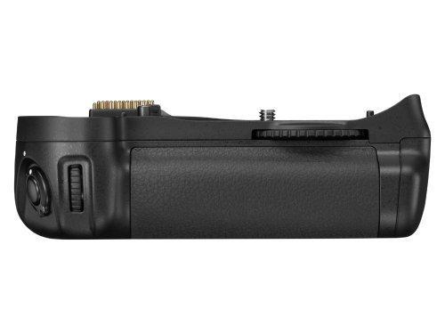 D10 Battery Pack - Nikon MB-D10 Multi Power Battery Pack for Nikon D300 & D700 Digital SLR Cameras - Retail Packaging