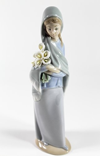 Lladro Girl with Flowers 01004650 4650 (Lladro Girl Flowers)