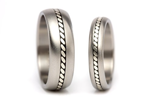 Set of two titanium & silver wedding bands with reminiscent of the 70´s. Water resistant, very durable and hypoallergenic. (04100_4N7N)