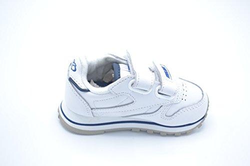 Kelme Amazen V - Zapatilla deportiva para niño.
