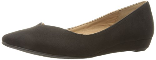 CL by Chinese Laundry Womens Shanice Pointed Toe Flat Black Super Suede