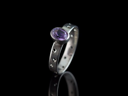 GORGEOUS OVAL SEE-THROUGH | Sterling Silver Amethyst Ring with dots Sterling Silver Brazilian Amethyst Ring