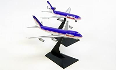 "Dragon Models Federal Express 747-200F and DC-10-10F ""Old Livery N631FE/N68055"" (Double Pack) Diecast Aircraft, Scale 1:400"