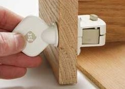 Safety 1st Magnetic Locking System Key, 4-Pack
