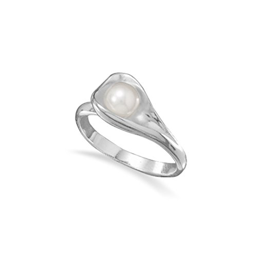 Imitation Pearl Calla Lily Ring Sterling Silver, 9 ()