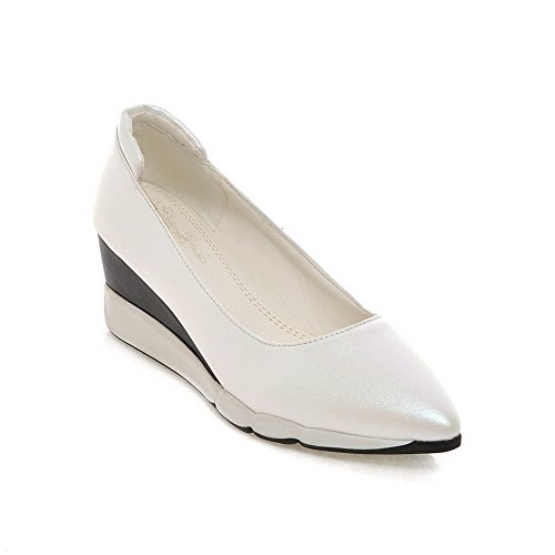 AllhqFashion Womens PU Kitten-Heels Pointed Closed Toe Solid Pull-On Pumps-Shoes White PY0epvlku