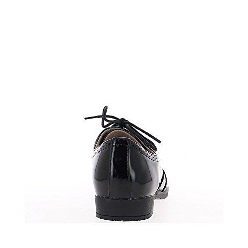 Richelieux nero opaco al tacco di 0,5 cm e motivi