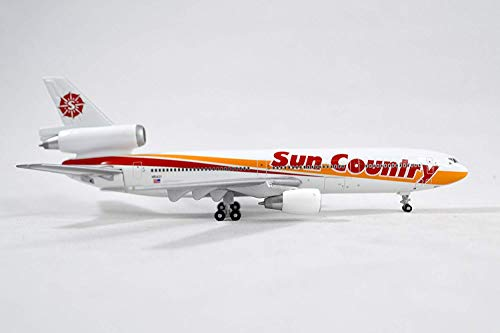 GeminiJets Sun Country McDonnell Douglas DC-10-15 Diecast Airplane Model N154SY With Stand 1:400 Scale Part# GJSCX240