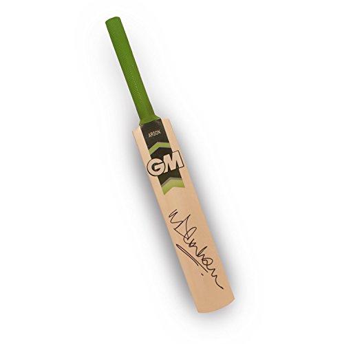 michael-vaughan-signed-gunn-and-moore-mini-cricket-bat