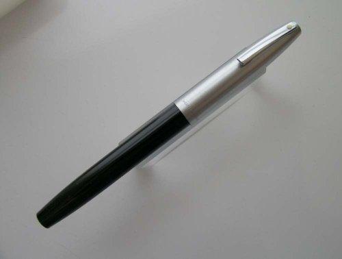 Sheaffer 440 Fountain Pen - 1970s New Old Stock (Black, Fine)