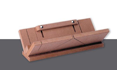 deckenleisten auf gehrung schneiden styroporleisten richtig schneiden und anbringen diy tipps. Black Bedroom Furniture Sets. Home Design Ideas