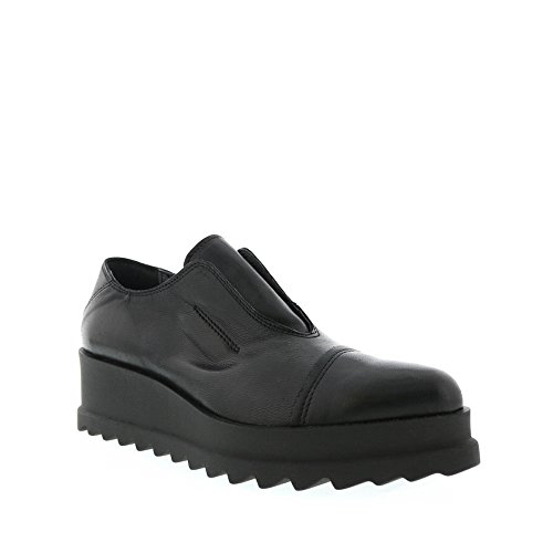 Gregorys Black Lug Cuneo Slip On Size 40