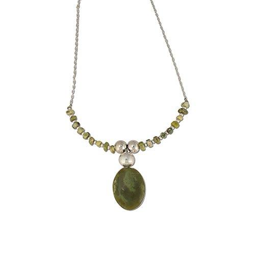 (Alpaca Silver Choker Necklace w/Serpentine Stone)