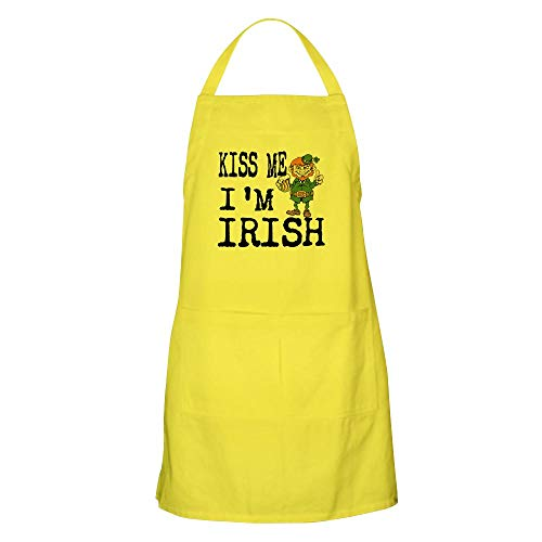 CafePress Kiss Me, Im Irish Apron Kitchen Apron with Pockets, Grilling Apron, Baking Apron