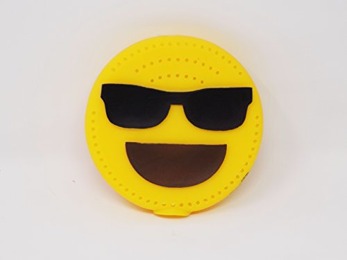 (Play Day Emoji Swim Water Drencher Disc Toy - Soak In Water and Throw - Sunglasses Kissing Face)