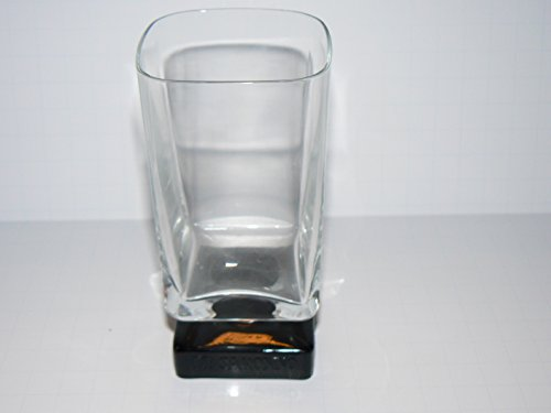 di-saronno-snifter-glass-5-tall-liqueur-disaronno