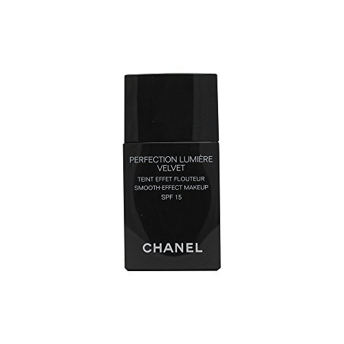 CHANEL PERFECTION LUMIÈRE VELVET SMOOTH-EFFECT MAKEUP BROAD SPECTRUM SPF 15 SUNSCREEN # 30 BEIGE - Lumiere Spf 15 Foundation