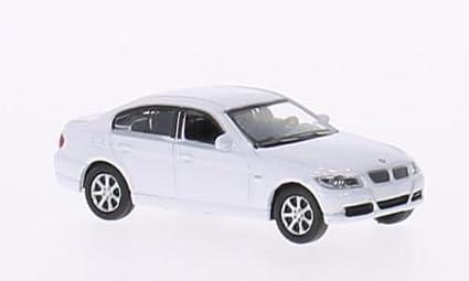 Amazon Com Bmw 330i E90 White 0 Model Car Ready Made Welly 1