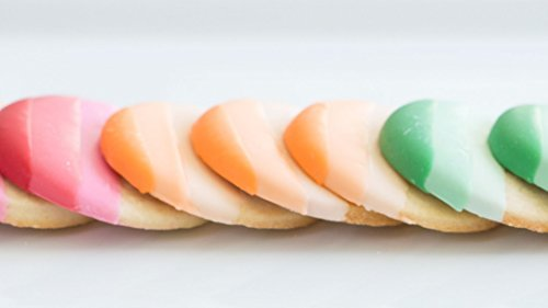 The Wilton Method: Colorful Dipped Cookies and Pretzels]()