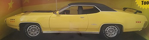 1971 Plymouth GTX 440 American Muscle Ertl Collectibles 1:18 Die-Cast Metal Car Limited Edition Yellow with Black Top