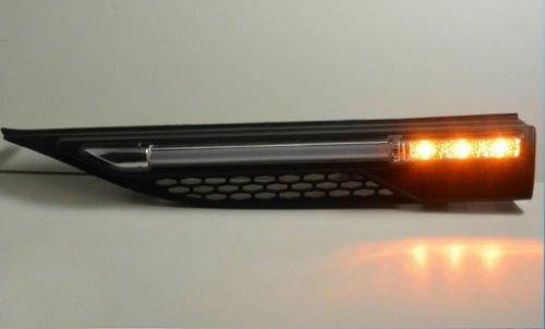 Luci LED diurne e indicatori LED di direzione al di sotto del parafango compatibili con Evoque
