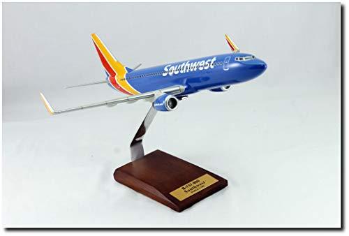 Planejunkie Aviation Desktop Model - B-737 Southwest Airlines Wood ()