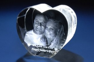 Personalized Custom 3d Photo Etched Engraving Crystal Loving Heart Gift (Birthday Gift, Anniversary Gift, Wedding Gift, Corporate Gift,Mother's Day Gift , Valentine's day gift , Christmas Gift)