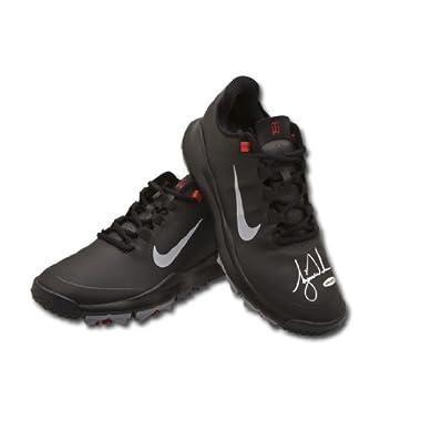 size 40 bb25f fe5d7 Tiger Woods Autographed Nike Black