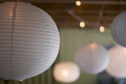 Perfectmaze 1 Piece Set 24''(inch) White Round Paper Lantern for Weddings Celebrations and Events
