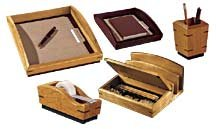 ROL19386 - Rolodex Executive Woodline II Business Card Holder for 100 2 1/4 x 4 Cards ()