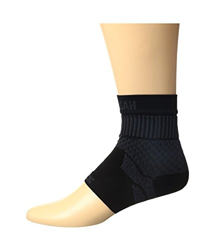 Zensah Ankle Support – Compression Ankle Brace – Great for Running, Soccer, Volleyball, Sports – Ankle Sleeve Helps Sprains, Tendonitis, Pain , Black, Medium