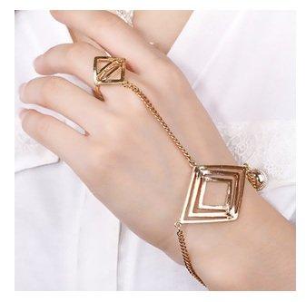 Parure de main bracelet bague couleur or original vintage carré femme