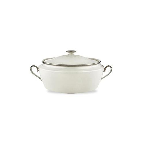 Solitaire Covered Vegetable Bowl Color: Ivory ()