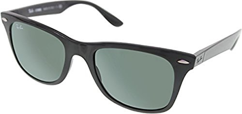 f22d1962d8 Ray-Ban Wayfarer Liteforce RB4195 Sunglasses Black Green 52mm   Cleaning  Kit Bundle