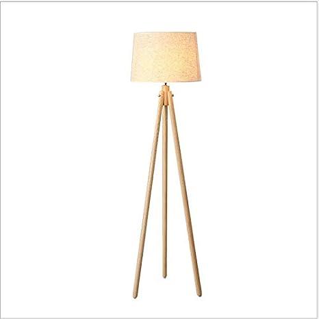 Estudio de lámpara de pie de tres patas de la sala de estar ...