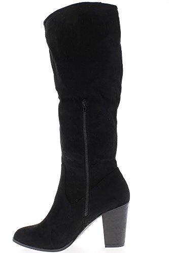 Botas negras mujer alta tamaño 9,5 cm ante mirada del talón