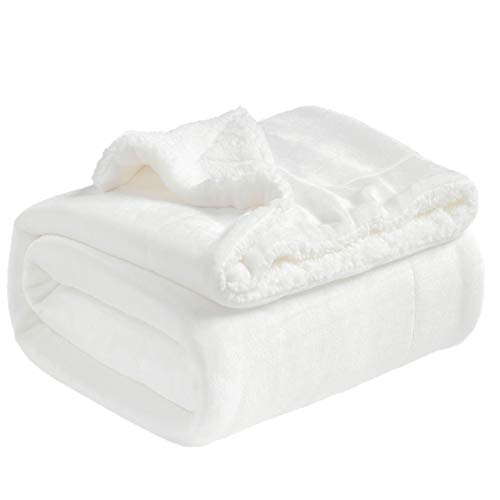 BEDSURE Sherpa Fleece Blanket King Size(Not Electrical) White Plush Throw Blanket Fuzzy Soft Blanket Microfiber