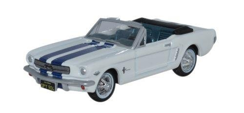 1965 Ford Mustang Convertible - Oxford Diecast 87MU65003 1965 Ford Mustang Convertible Wimbledon White_Guardsman Blue by Oxford Diecast