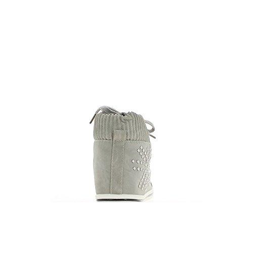 Baskets femme grises montantes et doublées à clous