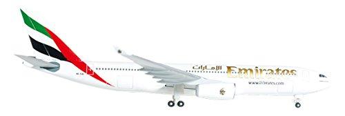 Daron Herpa Emirates - 1 200 Diecast Airplane A330