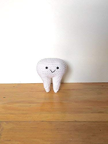 Free Tooth Fairy Crochet Pattern - Hooked On Patterns | 500x375