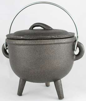 Cast Iron Cauldron: 4 1/2'' diameter Plain