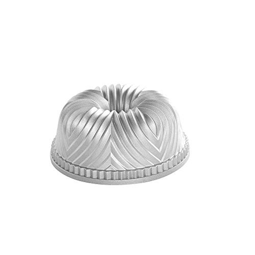 (Nordic Ware Pro Cast Bavaria Bundt Pan)