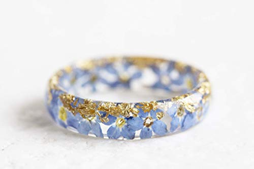 Nature Inspired Resin Ring with Dried Forget-Me-Not Flowers and Gold/Silver/Copper Flakes