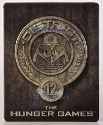 The Hunger Games (District 12 Edition Steelbook) [Blu-ray]
