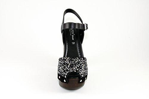 SilferShoes - Zoccolo in vero legno e pelle di camoscio con brillantini e fibbia, colore nero