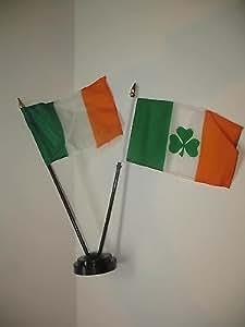 """Irlandés Irlanda W/irlandés Shamrock bandera 4""""x6"""" Juego de escritorio base de color negro"""