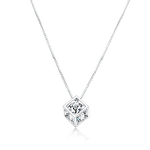 Diamond Pendant Necklace, Crystal Heart Round Cubic Zirconia Jewelry, Shinning Silver, with 15